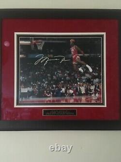 1988 Michael Jordan Signed Gatorade Slam Dunk Photo. PSA/DNA & UD Authenticated
