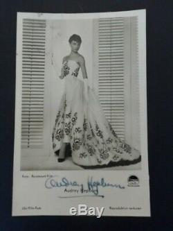 AUDREY HEPBURN original autograph signed vintage postcard Roman Holiday 1953