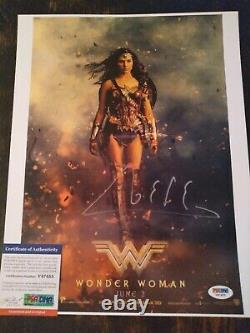 Gal Gadot Signed 11X14 Photo PSA/DNA COA Sexy Wonder Women Authentic Autograph