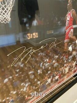 Michael Jordan 1988 Slam Dunk Autographed Photo UD Authenticated