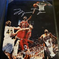 Michael Jordan UDA Authenticated Signed and framed 8x10 Hes Back #45