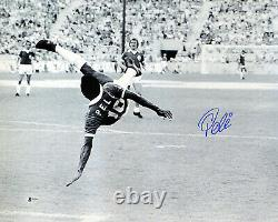 Pele Authentic Autographed Signed 16x20 Photo New York Cosmos Beckett Bas 161519