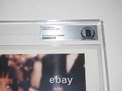 WHITNEY HOUSTON Signed 8 X 10 PHOTO Beckett Authenticated & Encapsulated