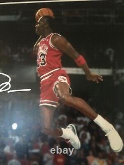 1988 Michael Jordan Signed Gatorade Slam Dunk Photo. Psa/adn & Ud Authentifié