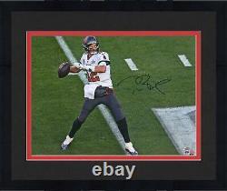 Autographié Tom Brady Buccaneers 16x20 Photo Fanatique Authentique Coa