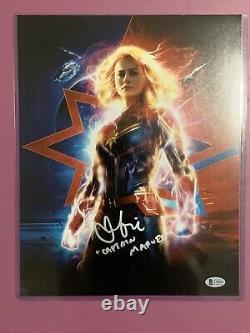 Brie Larson Autographié Captain Marvel 11x14 Photo Beckett (bas) Authentique
