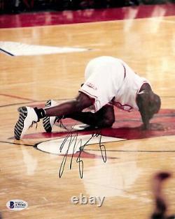 Bulls Michael Jordan Authentic Signé 8x10 Photo Autographiée Bas #a79362