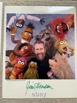 Jim Henson Signé 8x10 Photo Couleur Authentifiée Par L'organisation Muppets