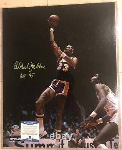 Kareem Abdul Jabbar Signé 16x20 Autographe Photo Inscrite Hof 95 Bas Authentic