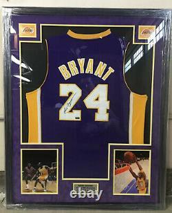 Kobe Bryant Autograph Signé Panini Authentic (# Pa58224) Jersey Auto Framed