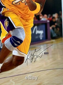 Kobe Bryant Autographié Signé 20 X 30 Lakers Photo Panini Authentique Coa