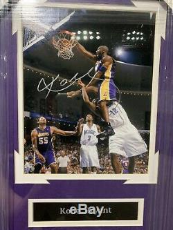 Kobe Bryant Autographié Signé 8x10 Encadrée Image Avec Coa Vierge