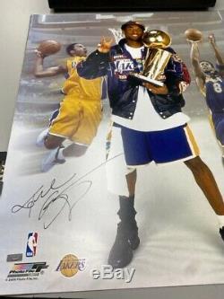 Kobe Bryant Btb Image Trophy Signé 20 X 24 Panini Authentique Extrêmement Rare