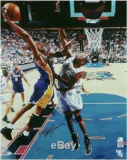 Kobe Bryant Signé 16x20 Photo Dédicacée Authentique Psa / Adn Coa La Lakers