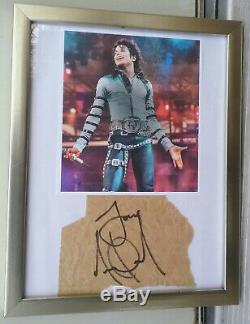 Michael Jackson Autographié Authentique Signé Paper Cut Avec Photo Dans Cadre