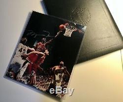 Michael Jordan A Dédicacé 45 Layup 8 X 10 Photo Uda Authentique