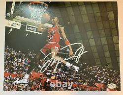 Michael Jordan Signé 8x10 Photo Avec Certificat D'authenticité