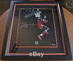 Michael Jordan Signé Hof Cradle Dunk 16x20 Encadrée Upd Authentique Limitée 123