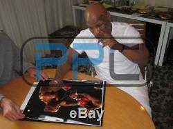 Mike Tyson Boxe Signé Authentique 16x20 Punch Out Photo Dédicacée Psa / Adn Pti