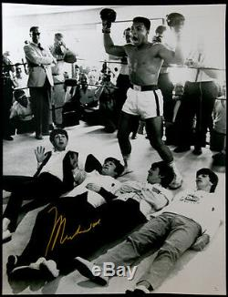 Muhammad Ali Signé 30x40 Photo With The Beatles En Ligne Authentics