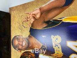 Photo Kobe Bryant Fourthtrophy Signé 20 X 24 Panini Authentique Extrêmement Rare
