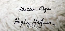 Playboy Bettie Page Et Hugh Hefner Authentique Signé 26x35 Photo Le # 90/750 Bas