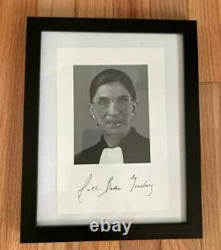 Ruth Bader Ginsburg Photo Signée! Avec Jsa Lettre D'authenticité Très Rare