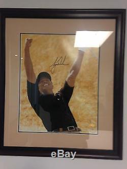 Tiger Woods Autographié 16x20 Photo Upper Deck Assermentée Encadrée